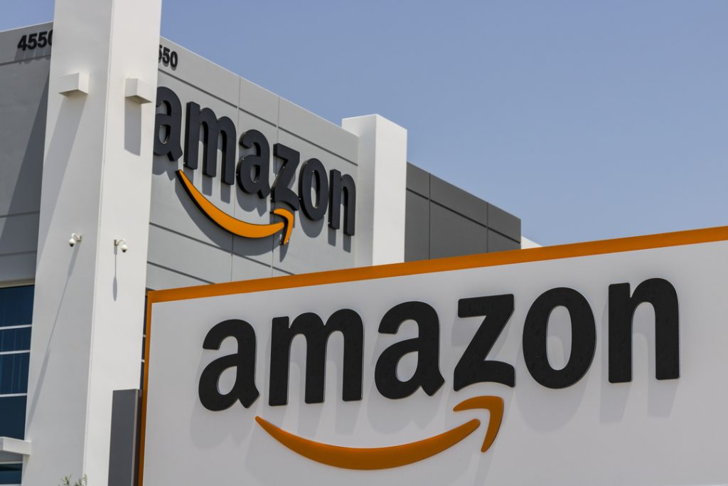 Amazon shareholders support selling controversial face recognition to police