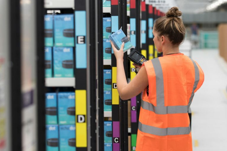 Amazon says fully robotic warehouses at least 10 years away
