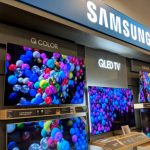 Samsung Electronics has seen its operating profit divebomb 56 per cent year-on-year in its fourth quarterly drop in a row.