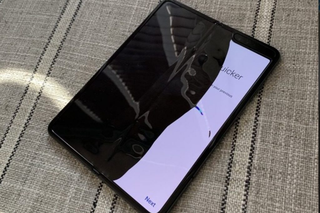 Samsung delays Galaxy Fold launch after disastrous reviews