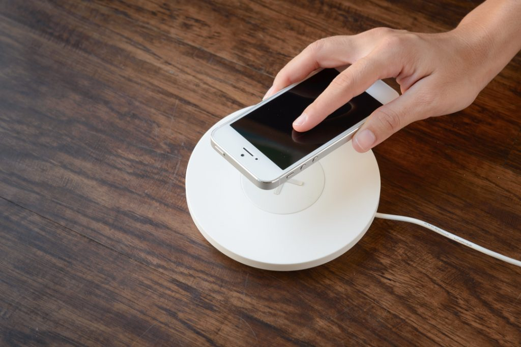 Apple scraps wireless charging device AirPower