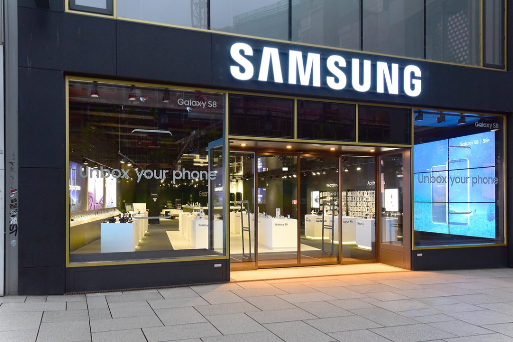 Samsung's profits dive 56% as chip and smartphone sales suffer