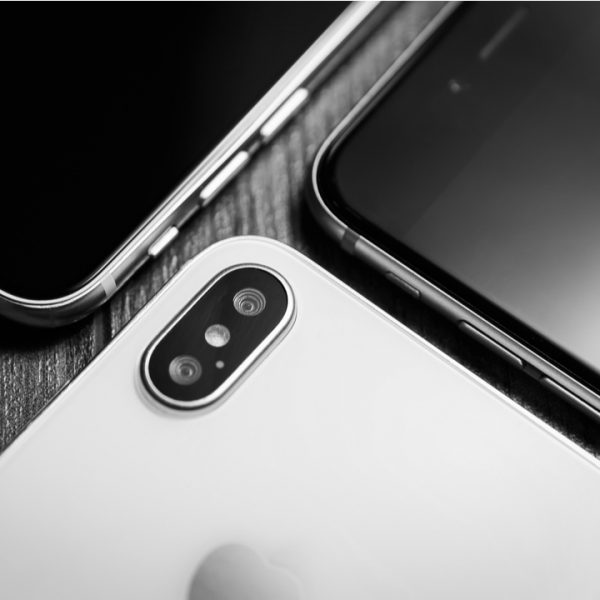 Smartphone sales across the globe plummeted by more than 20 per cent during the first quarter with nearly every major manufacturer seeing dramatic declines.