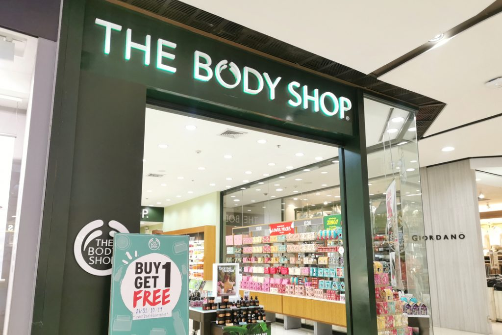 "The Body Shop introduces new ""open hiring"" practice with no interviews or background checks"