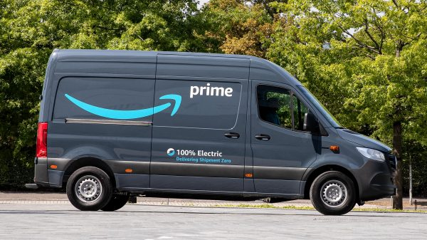Amazon has partnered with Mercedes Benz to introduce 1800 high-tech electric delivery vehicles into its fleet.