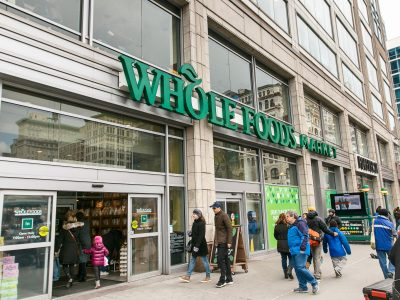 Amazon offers Prime members one hour pick-up time at Whole Foods