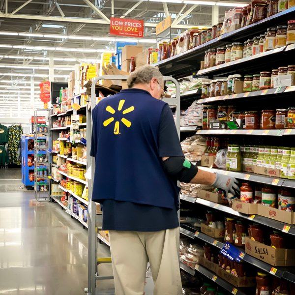 Walmart drops roving robots for inventory tracking