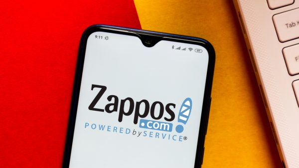 The former chief executive of Zappos Tony Hsieh has died at the age of 46.