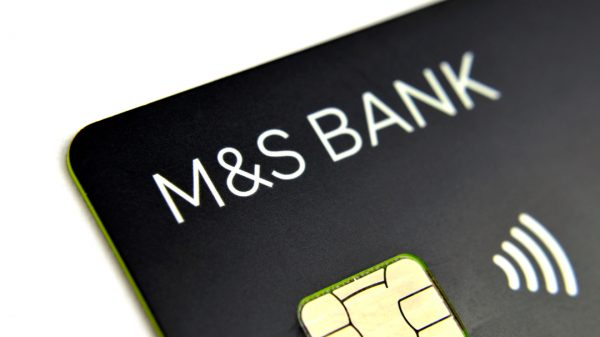 Marks & Spencer is scrapping all M&S Bank customers' current account and closing all in-store branches as it dramatically scales back its financial arm.