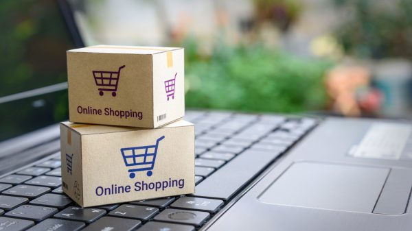 Online retail sales growth has continued to rise throughout March, despite the promise of the high street opening up in April, figures from IMRG show.