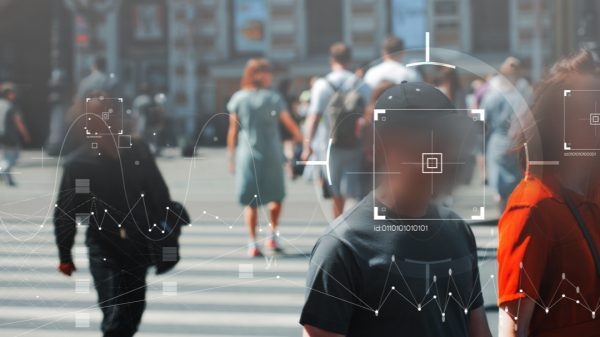 Amazon has announced plans to extend a ban on US police using its controversial facial recognition technology 'Rekognition'.