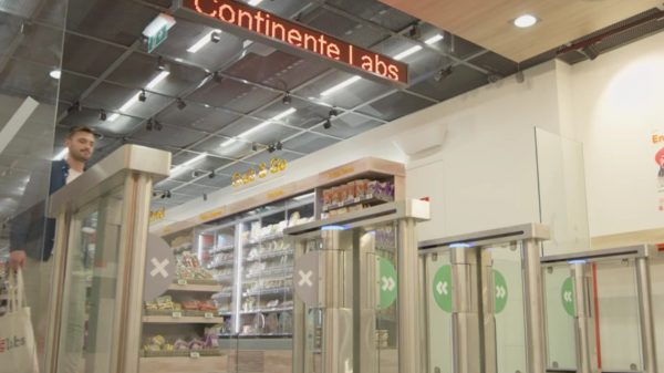 Cashierless shopping start-up Sensie has opened its first store to the public in Portugal in the latest challenge to Amazon's dominance in the space.