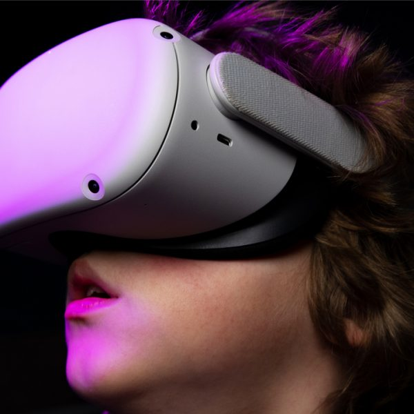 Facebook will trial advertisements in its Oculus virtual reality (VR) headsets, the company announced on Wednesday.