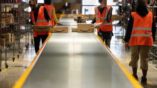 Amazon is offering new warehouse workers a £1000 joining bonus as it becomes the latest retailer to grapple with a staff shortage crisis.