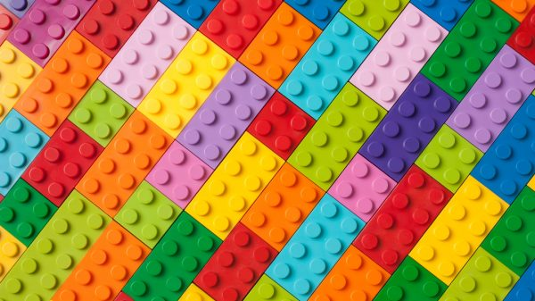 Lego is looking for a new e-commerce director as it aims to expand its operations into Asia and the Pacific according to a job advert on their website.