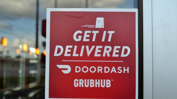 Grubhub and DoorDash have received two lawsuits from the City of Chicago for allegedly deceiving customers and using unfair business practises.