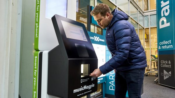 Asda has signed a major new sustainability partnership with MusicMagpie enabling customers sell their old phones for instant cash at 300 stores.