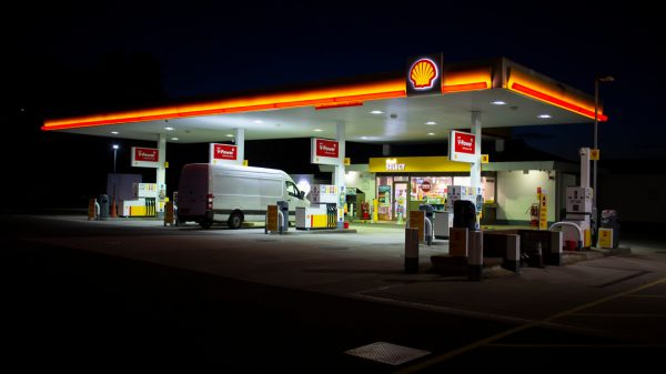 Shell convenience store across the UK will now offer 24-hour home delivery to customer via the Uber Eats app.