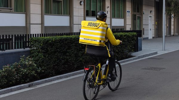 Yandex grocery delivery service to open 4 London dark stores