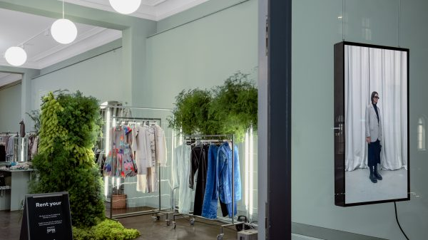 H&M Mitte Garten store in Berlin and circular fashion company Lablaco have launched a new service, allowing customers to exclusively rent and swap a special collection.